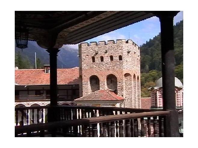 2389350-the_square_balcony-rilski_manastir